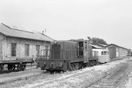 Lacanau-Médoc. Economiques De Gironde. Locomotive General Electric D-4031. Cliché Jacques Bazin. 05-07-1953 - Eisenbahnen