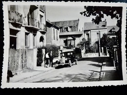 PHOTO ORIGINALE _ VINTAGE SNAPSHOT : AUTOMOBILE _ Impérial Hotel _ VICHY _ 1953 _ SCENE De VIE - Cars