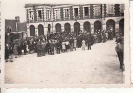 14 BALLEROY Photo Originale 14 Juillet 1944 Place De La Mairie Concert Des Américains Et Des Anglais WW2 - 1939-45