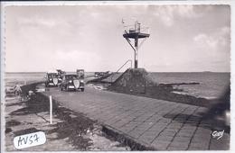 ILE DE NOIRMOUTIER- PASSAGE DU GOIS EN 1953- LES BELLES VOITURES POPULAIRES DES ANNEES 50 - Ile De Noirmoutier