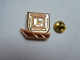 Beau Pin's , Bateau Marine , Union Mariniére Des Jouteurs à Vernaison , Joutes Barque , Rhône - Barcos