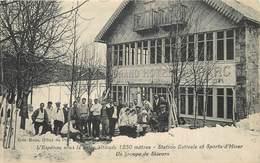 L'ESPEROU - Le Grand Hôtel Du Parc, Un Groupe De Skieurs. - France