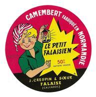 ETIQUETTE De FROMAGE..CAMEMBERT Fabriqué En NORMANDIE.Le Petit Falaisien..J. CRESPIN & SOEUR à FALAISE (14) - Fromage