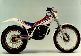 Fantic Motor 303 +-23cm X 16cm  Moto MOTOCROSS MOTORCYCLE Douglas J Jackson Archive Of Motorcycles - Photographs