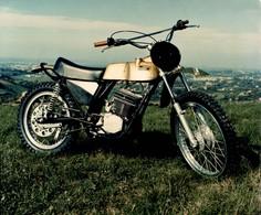 Simonini 50cross +-23cm X 18cm  Moto MOTOCROSS MOTORCYCLE Douglas J Jackson Archive Of Motorcycles - Foto's