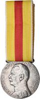 Medaillen Deutschland: Baden: Silberne Großherzogliche Vedienstmedaille O.J. (1866-1918) Mit Dem Por - Deutschland