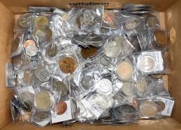 Alle Welt: Silber- Und Kupfermünzen Aus Aller Welt. Circa 3,2 Kg. Überwiegend Einzeln In Münztäschch - Ohne Zuordnung