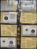 Alle Welt: WWF: 16 Silber Gedenkmünzen Zum 25jährigen Bestehen Des WWF Verteilt Auf 2 Alben. Alle Mü - Ohne Zuordnung