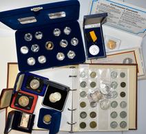 Alle Welt: Ein Münzalbum, Ein Set 125 Jahre Kanada In Proof Qualität Sowie Ein Paar Einzelmünzen Und - Ohne Zuordnung