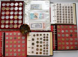 Alle Welt: Ein Karton Mit Münzen Und Banknoten. Dabei 4 Münzalben, Eine Lindnerbox, Eine Dose, Ein A - Ohne Zuordnung