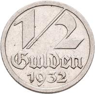 Danzig: Lot 3 Münzen: 1 Gulden 1932, 1/2 Gulden 1932 (2x), Sehr Schön, Sehr Schön-vorzüglich. - Ohne Zuordnung