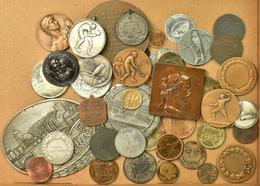 Medaillen Deutschland: Kleines Konvolut Von Circa 70 Medaillen Und Jetons, Aus Silber, Bronze Und Me - Deutschland