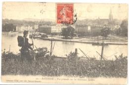 CPA 64 - 22. BAYONNE - Vue Générale Sur Les Nouveaux Jardins - Animée (fantassin De Dos) - Bayonne