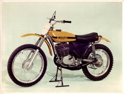 Ancillotti Scarab CR125 Cross +-24cm X 17cm  Moto MOTOCROSS MOTORCYCLE Douglas J Jackson Archive Of Motorcycles - Foto's