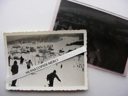 Les Rousses Jura 39 Ski Skieur Groupe Maisons Bâtiment PHOTO + NEGATIF Original Cliché Amateur - Autres Communes