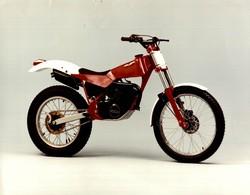 Fantic Motor +-24cm X 17cm  Moto MOTOCROSS MOTORCYCLE Douglas J Jackson Archive Of Motorcycles - Foto's
