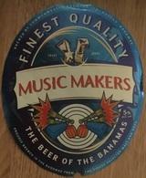 BAHAMAS : KALIK Beer MUSIC MAKERS (+top And Back Label) - Beer