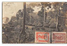 CPA Carte Photo Auguste Bechaud - Vue D'un Village - Oubangui Chari - Zentralafrik. Republik