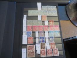 Classeur De FRANCE ,timbres Divers Neufs ,,dont Plus De 270FRS De Faciale Et Divers - Timbres