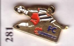 A281 Pin's FOOTBALL FC Suntec Longvic Dijon Club Foot Corporatif Cote D'or Achat Immédiat - Football