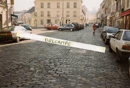 VERSAILLES - Place Charost -1996 - Photo Sur Support Carte,format Actuel - Versailles