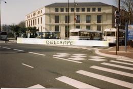 VERSAILLES - Station De Bus -1996 - Photo Sur Support Carte,format Actuel - Versailles