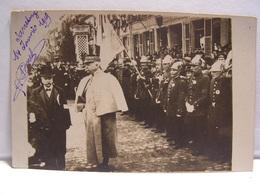 CPA CARTE PHOTO MILITAIRE LE GENERAL LEBRUN CHEF DU 3EME CORPS ET LES POMPIERS ENTREE DE SARREBOURG 703 - Sarrebourg