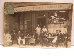 CPA CARTE PHOTO A SITUER CAFE BIERES DE L ESPERANCE AU BON CAFE A L ARRET DES TRAMWAYS 706 - Cafés
