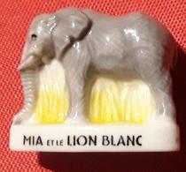 FEVE  ELEPHANT Du Film D'animation MIA ET LE LION BLANC   TB - Animali