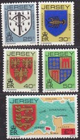 Jersey, 1982, 273/77, Freimarken: Familienwappen..  MNH ** - Jersey