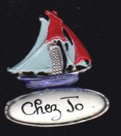 60771-Pin's. Chez Jo.Voilier.., - Barcos