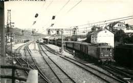 060120A TRANSPORT TRAIN CHEMIN DE FER - PHOTO BREHERET Circa 1950 - 65 LOURDES La Gare - Lourdes