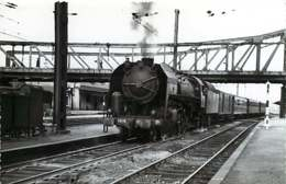 060120A TRANSPORT TRAIN CHEMIN DE FER - PHOTO BREHERET FONTAINE 1954 - 18 VIERZON La Gare - Vierzon