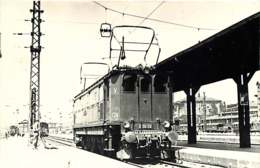 060120B - PHOTO BREHERET TRANSPORT TRAIN CHEMIN DE FER - Circa 1950 E1612 - Bahnhöfe Mit Zügen