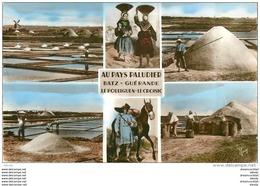 Photo Cpsm Cpm 44 AU PAYS PALUDIER. Marais Salants, Mulon De Sel, Enlèvement Gède Et Mise En Sac 1960 - Batz-sur-Mer (Bourg De B.)