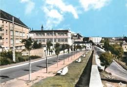 """CPSM FRANCE 08 """"Mézières, Institution Notre Dame, Place De L'église"""" - Charleville"""