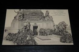 9529       BRUXELLES- COLONNE DU CONGRES, LE TOMBEAU DU SOLDAT INCONNU - Monumenti, Edifici