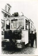 NAMUR : Gare TRAM  Autorail Gazogene 1940 - 1945   ** Foto Van Oude- Vieux  Cliché (12 X 8.5 Cm) - Plaatsen