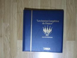 VEND ALBUM AVEC FEUILLES TRESOR DU PATRIMOINE , 1946 + 1947 , 1965 - 1972 , BLEU !!! - Binders With Pages