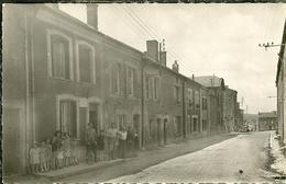08 Ardennes  SAINT MENGES Rue De L égalité Trés Animée 2 Scans - Autres Communes
