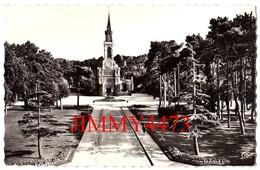 CPSM Dentelées - DEAUVILLE 14 Calvados - L' Eglise Et Le Jardin - N° 2278 - Edit. C. A. P. - Deauville