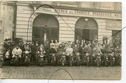 CARTE PHOTO. CPA. D21. DIJON. Amical Moto Dijonnaise. Réunion Devant Le Café De La Renaissance. BRASSERIE.  Motards - Dijon
