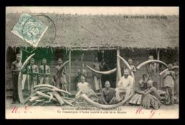 CONGO FRANCAIS - BRAZZAVILLE - COMMERCANT D'IVOIRE - DEFENSES D'ELEPHANTS - Brazzaville