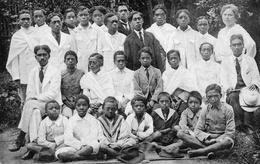 CPA Afrique Madagascar Mme Quétin Groupe Internes école Ambohijatovo - Madagascar