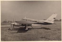 Photo Originale Format CP Avion Aviation Cessna 320 Skynight Gosselies 1967 - Aviación