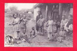 E-Vietnam-424Ph108  HUE, Les Petites Musiciennes De La Reine Mère, Cpa BE - Viêt-Nam