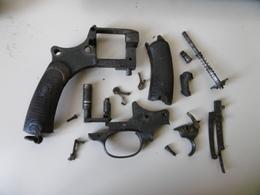 Lot De Pieces Non Classees Pour Revolver 1892 St-etienne - Armi Da Collezione