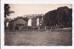 CP 39 Domaine De Chalain.Le Batiment D'accueil Et Le Vieux Chateau - Other Municipalities
