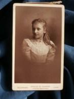 Photo CDV  Bellingard à Lyon  Portrait Fillette Blonde  Grand Col En Guipure De Dentelle  CA 1890 - L481C - Photos