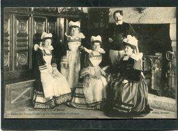 CPA - PONT AVEN - Chez Botrel - La Reine Des Fleurs D'Ajoncs Et Ses Demoiselles D'honneur - Pont Aven